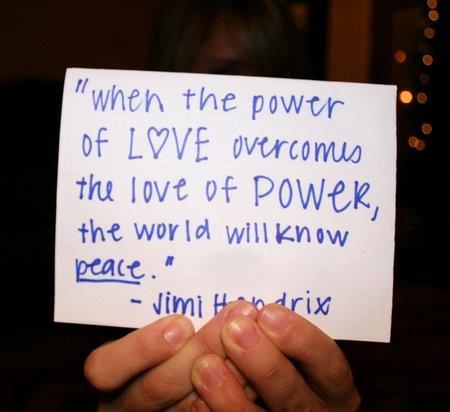 Gdysiła miłości przezwycięży miłość dosiły, świat zazna spokoju.